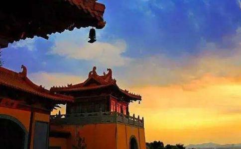 为什么每晚都会梦见被带去不同寺院?